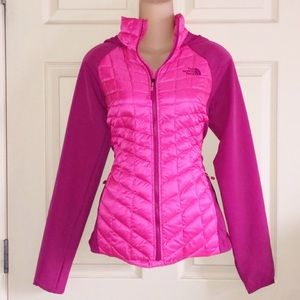 FLASH SALE‼️The North Face Pink Thermoball Jacket